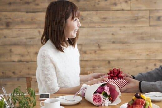 彼氏からもらったプレゼントを買取させる?即捨てるかはあなた次第!